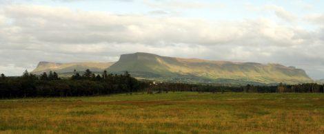 Benbulben et les montagnes de Dartry